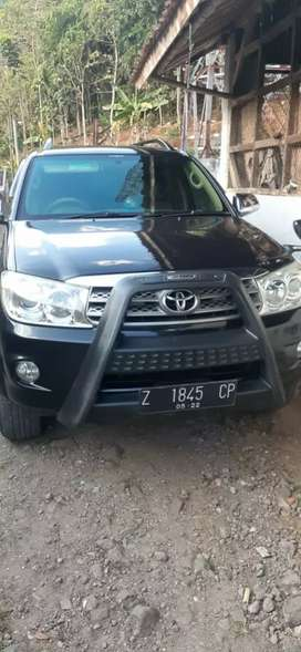 Toyota Fortuner g lux.at bensin 2009