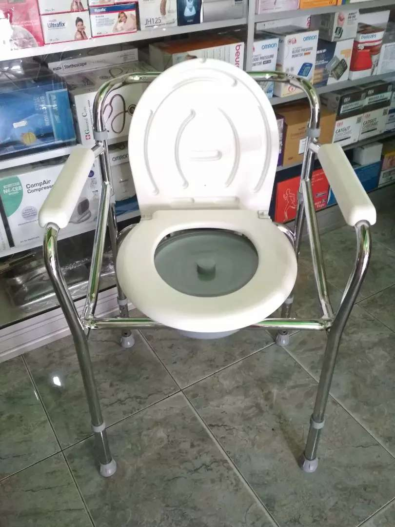 Kursi bab toilet lipat non roda