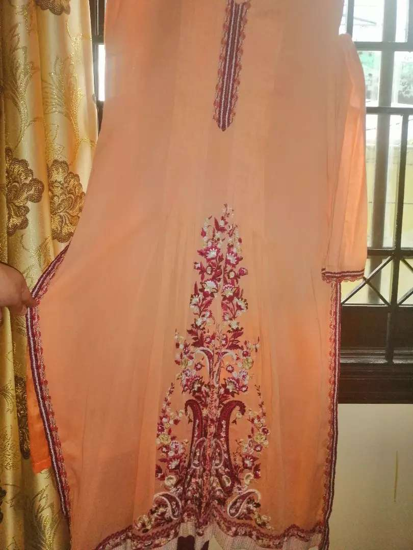 2 pc Swiss lawn embroided dress in a very good condition 0