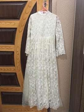 White whole net maxi (embroidered)
