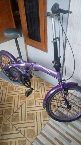 Sepeda lipat merek exotik