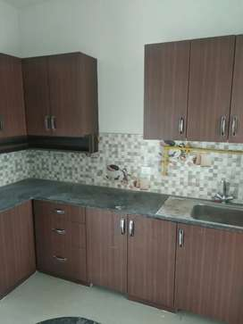 2 plus study on sale in Noida extension