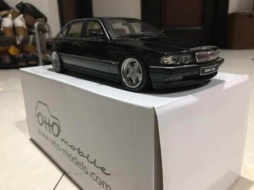 BMW 750iL E38 Otto Mobile 1:18 Limited Edition 0