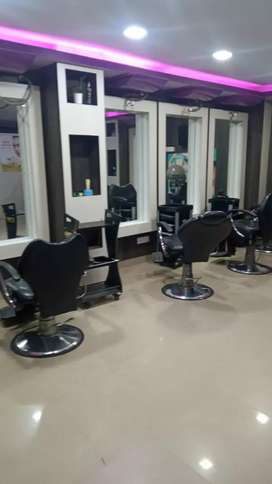 Well furnished beauty parlour