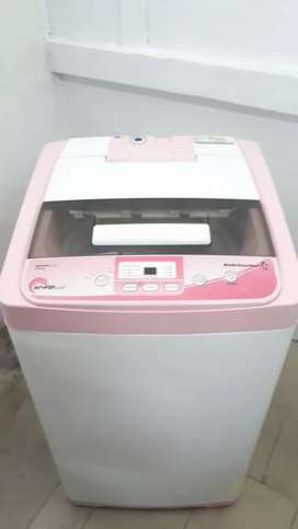 Kelvinator Topload washing machine with good condition