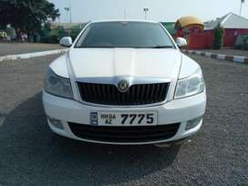 Skoda Laura Ambiente 2.0 TDI CR Manual, 2010, Diesel