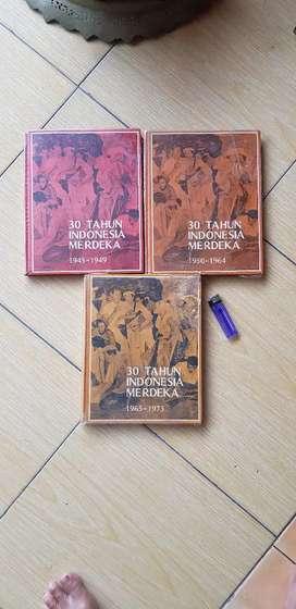 buku antik 30 tahun indonesia merdeka lkp set