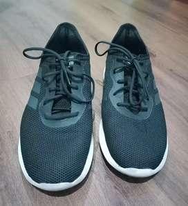 Sepatu Adidas Running