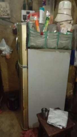 lg fridge in running condition
