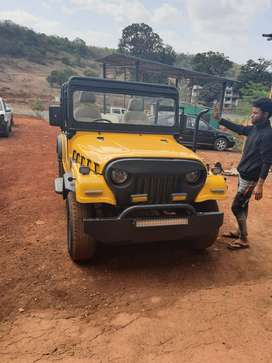 Mahindra Jeep 2000