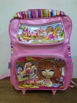 Tas koper anak baru. Tidak pernah terpakai