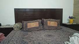 Bed  set in excellent  condition