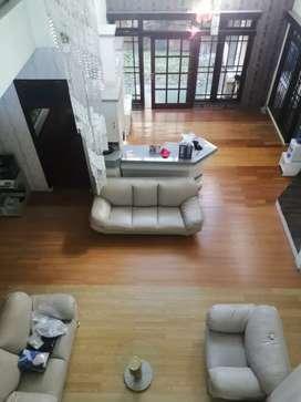 Simpang Lima Jl. Seroja Semarang Rumah 2Lantai Siap Huni Full Furnish