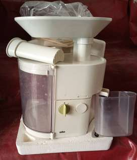 BRAUN juicer made in Germany.