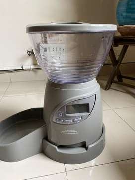 Petmate automatic programable timer pet feeder