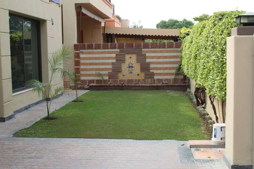 01 KANAL HOUSE NEW CONDITION FOR RENT IN PRIME LOCATION OF DHA LAHORE 0