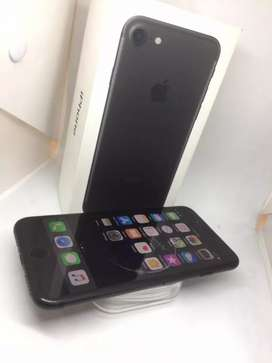 I PHONE 7 32GB MATT BLACK COLOUR WITH WARRANTY BRAND NEW MOBILE