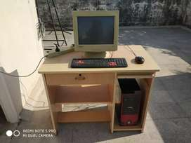 COMPUTER WITHOUT TABLE