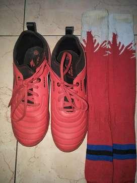 Jual sepatu futsal merk Sevenray bekas rasa bar merek Sevenray