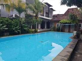 Rumah MEwah Prawirotaman Kolam Renang