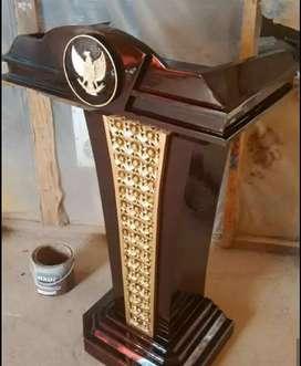 Mimbar podium presiden Garuda Pancasila