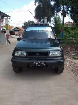 Escudo 1995 plat T karawang