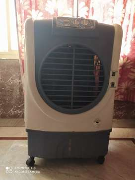 Best cooler in this hot summer at low price.