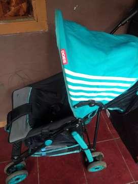 Stroller bayi layak pakai