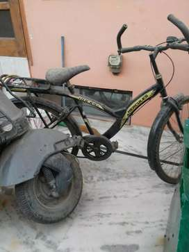 Hercules bicycle new in condition only one yr old