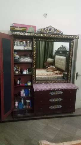 Dressing table for sale very good condition 8/10
