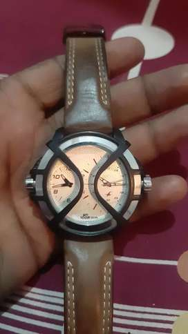 Fastrack watch with bill and box