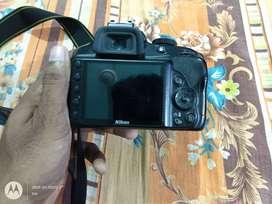 Nikon D3300 for sale with 2lanse bag memory