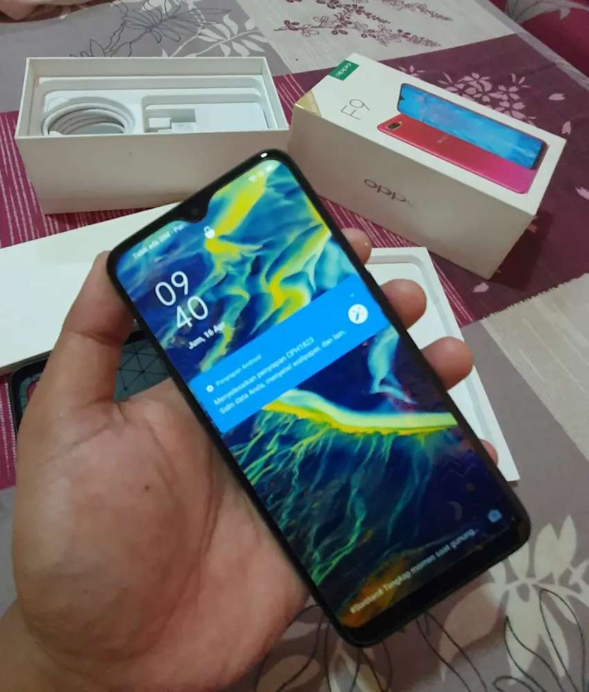 Cari hp minus oppo vivo Samsung xiaomi realme