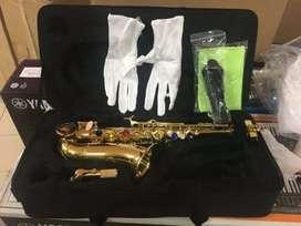 Alat musik tiup Saxophone Baby