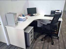Meja Kantor Kondisi Istimewa
