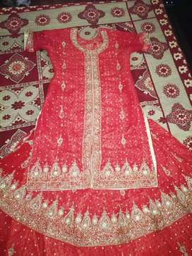 Bridal lehenga sale only one time used.