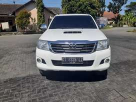 Toyota Hilux 2015 4x4 MT upgrade G