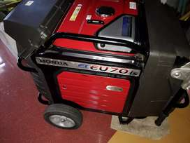 HONDA GENERATOR  Eu70iS. SELF-START veryLeSsUSED forSALE inThrissur