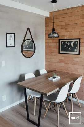 Dininer Table