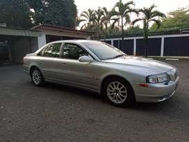 Volvo S80 siap mejeng th 2002