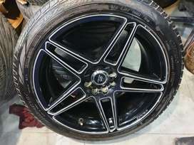 I want to sell 17 inch Alloy wheels with new tyres .