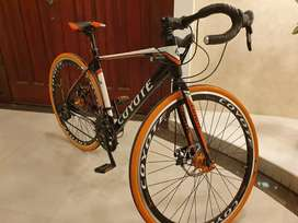 Lightweight road bike (bicycle) with accessories