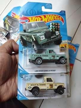 Hotwheels paket 2pcs land rover pick up
