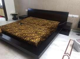 Platform bed King Size