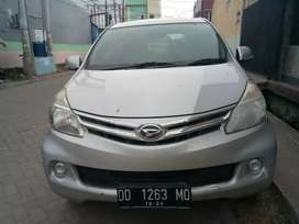 Xenia M deluxe 1,0 cc thn 2013 wrna silver ms dp 10 jt angsrn 2,6 59 x