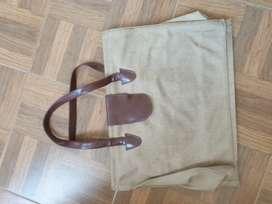 Travel Bag Preloved Warna Krem