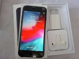 New iPhone 7 z black shining 128 GB WITH ACCESSORIES ONLY 22999