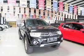 Mitsubishi Pajero Sport Dakar Diesel 4x4 AT 2014 pemakaian 2015