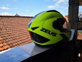 Helm zeus zs811 speedster yellow