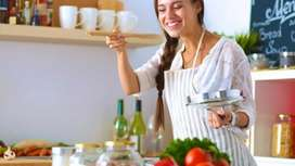 Cook females required in Family food room free cost fixed salary